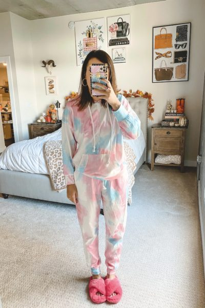 amazon cotton candy tie dye loungewear set with pink slippers